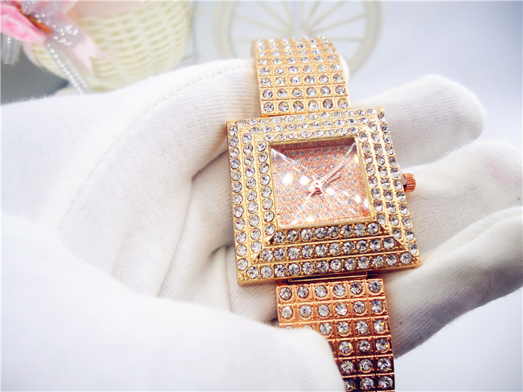 Ladies Luxury Square Full Crystal Diamond Case Golden Bracelet Wrist Watch