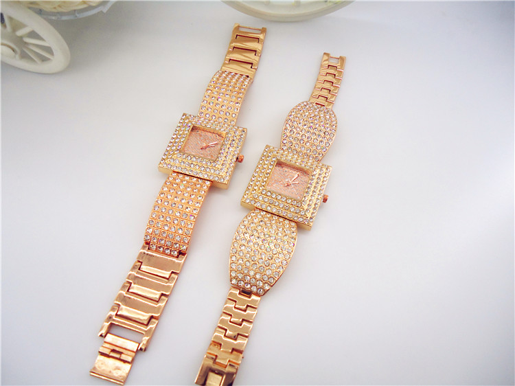 LLadies Luxury Square Full Crystal Diamond Case Golden Bracelet Wrist Watch