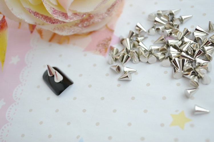 Metal Punk Cone Spikes 3D Nail Art DIY Decoration Rivet